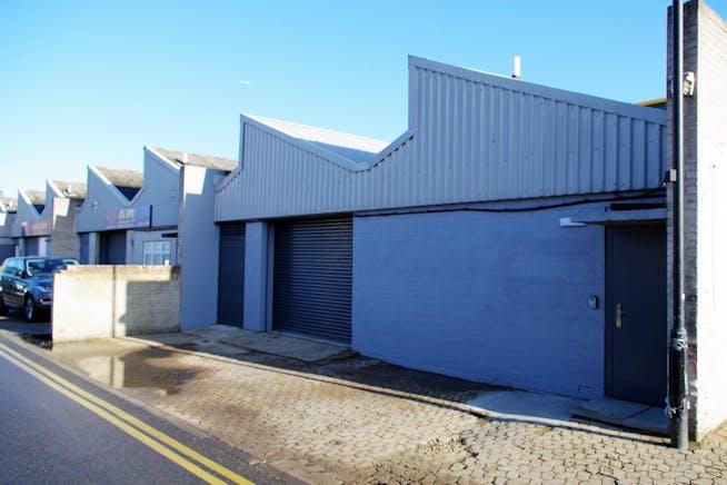 Unit 17-19 Zennor Trade Park, Balham, Industrial To Let - IMGP4275.JPG