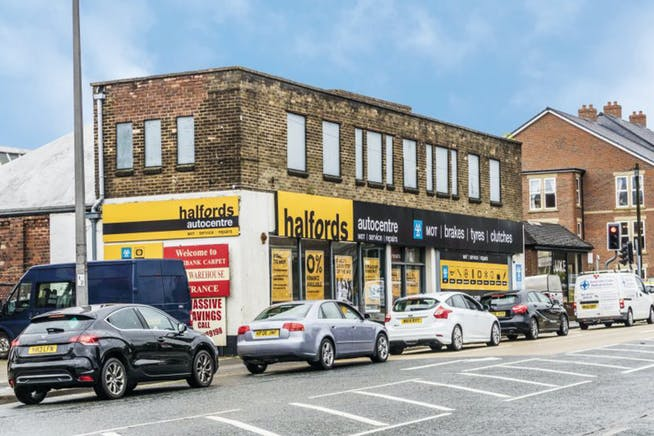 Halford's Autocentre, 67 Doncaster Road, South Humberside, Dn15 7Rg, Scunthorpe, Retail To Let - Scunthrope - 2.jpg