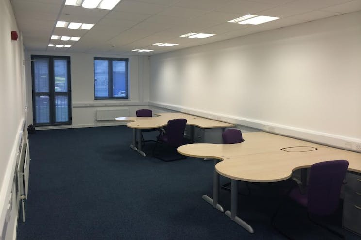 Unit 4 The Axis Centre, Leatherhead, Offices To Let - Internal 3