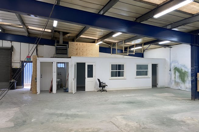 Unit 33,  Summerstown, London, Industrial To Let - IMG_0092.jpg