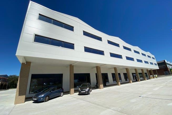43 - 49 Fowler Road, Hainault, Office / Industrial To Let - 7.jpg