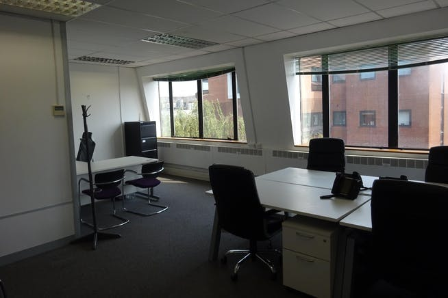 Queens Court, 9-17 Eastern Road, Romford, Offices To Let - Romford_Office_Rent.JPG