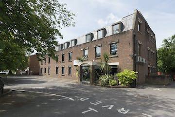 Stratfield House, Station Road, Hook, Offices To Let / For Sale - IW-Hook-001.jpg