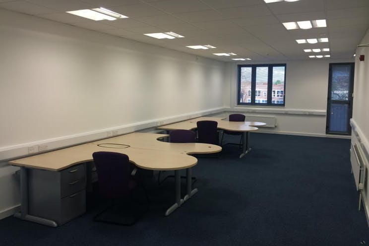 Unit 4 The Axis Centre, Leatherhead, Offices To Let - Internal 1