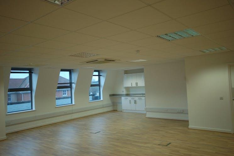 3rd Floor, 118-128 London Street, Reading, Office To Let / For Sale - DSC_0007.JPG