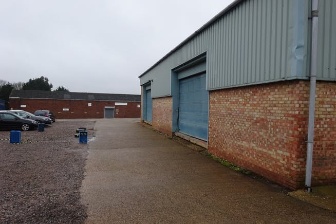 Units 26 & 27 - Raynham Industrial Estate, Raynham Road, Bishop Stortford, Warehouse & Industrial To Let - DSC01587.JPG