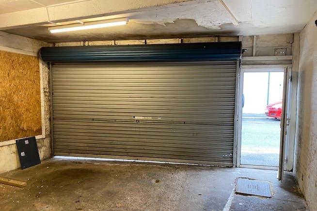 123-124 Queens Road, Hastings, Office / Retail To Let - IMG_3328.jpg
