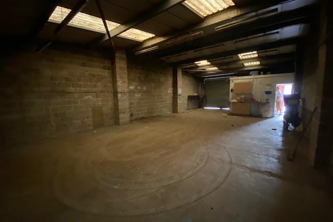 Unit 17 Greenshields Industrial Estate, London, Industrial To Let - IMG_2559.jpg