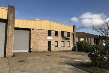 2C, Albany Park, Frimley, Warehouse & Industrial To Let - IMG_4552.jpg