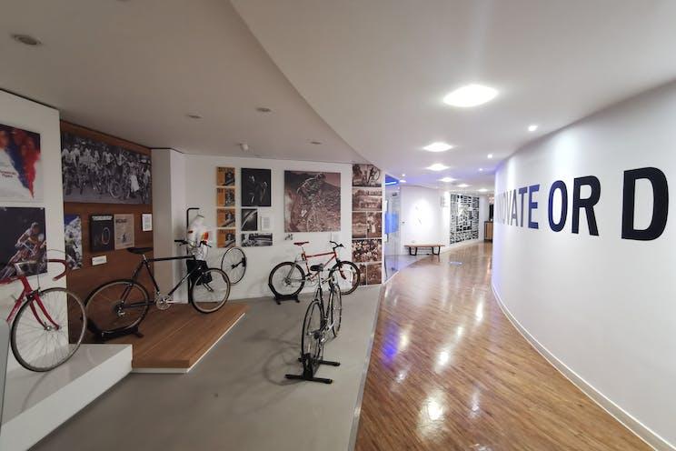 Unit 29 Barwell Business Park, Leatherhead Road, Chessington, Warehouse & Industrial To Let - Entrance.jpg