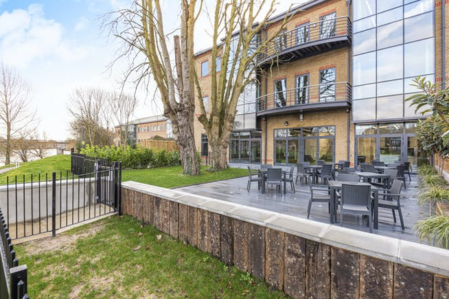 Waterfront, Waterside Park, Staines-Upon-Thames, Office To Let - 5e1db249279b3-l-569062 (10).jpg