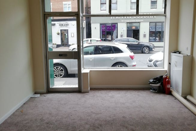 10 Bridge Street, Maidenhead, Retail / Offices / Investment For Sale - IMG_20200707_125119_BURST005 002.jpg