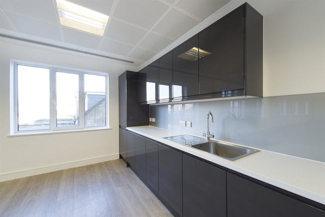 Chiswick Gate, London, Office To Let - 013_Property.jpg