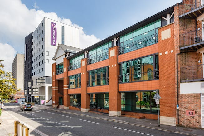 6 Church Street West, Woking, Offices To Let - 140912_bpp_003.jpg