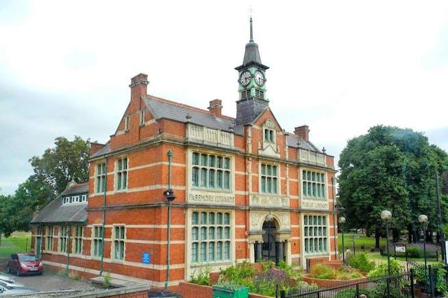 207 Plashet Grove, 207 Plashet Grove, London, D1 / Office To Let - Plashet 2.jpg