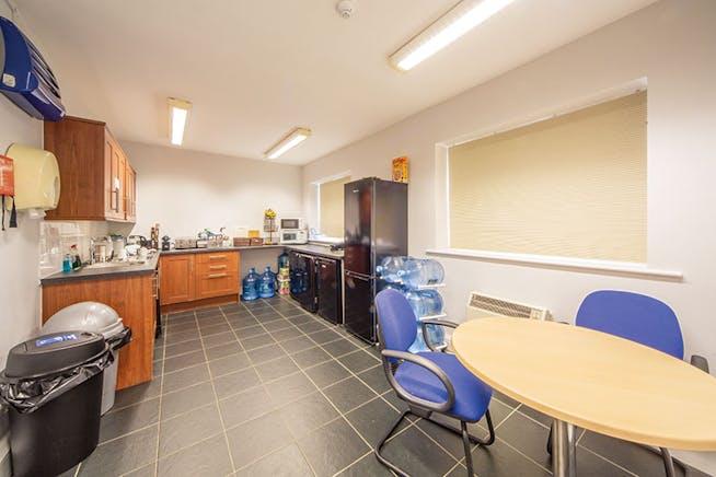 Unit 1 The Bullpens, Basingstoke, Offices To Let - The_Bullpens_Unit_1_kitchen.jpg