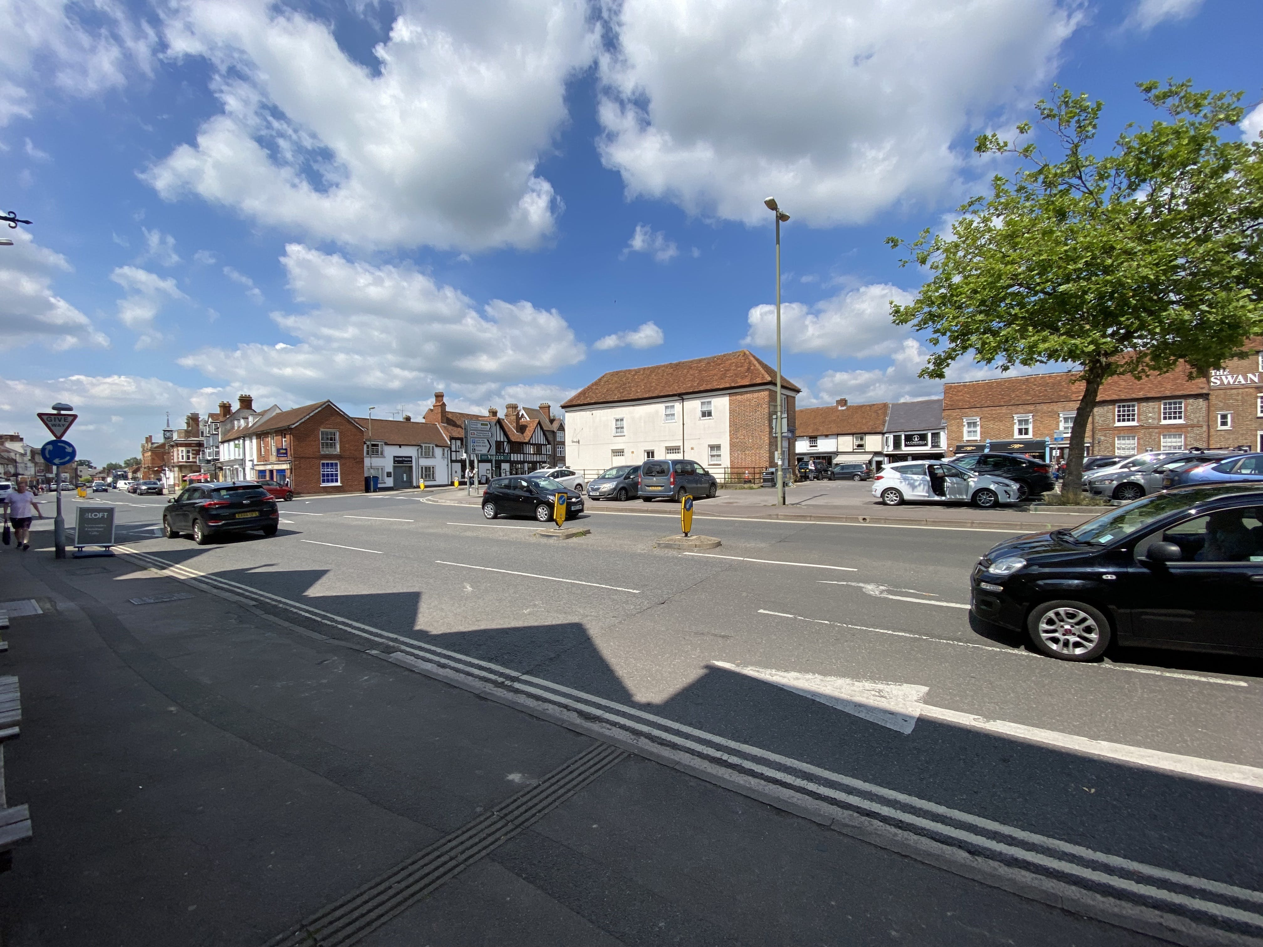 42A Upper High Street, Thame, Office To Let - TOWN CENTRE VIEW.JPG