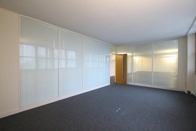 Suite 3A2, Westmead House, Farnborough, Offices To Let - IMG_1967.JPG