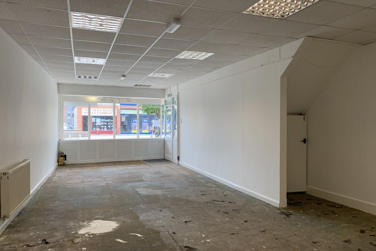 1 Queens Parade, Waterlooville, Retail To Let - 20210705 131233.jpg