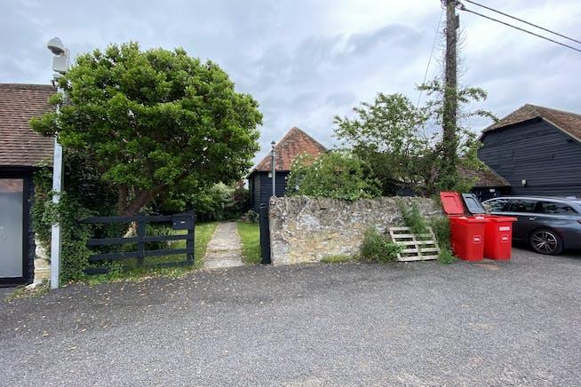 6 Rycote Lane Farm, Thame, Office To Let - PARKING.JPG