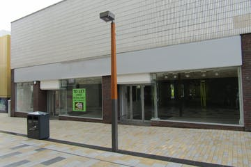 26 High Street, Bracknell, Retail To Let - IMG_1016.JPG