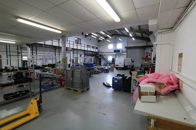 7A Woolmer Trading Estate, Bordon, Warehouse & Industrial To Let - IMG_0366.JPG
