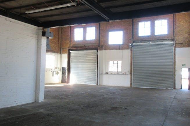 5 Cumberland Works, West Byfleet, Warehouse & Industrial To Let - IMG_1965.JPG