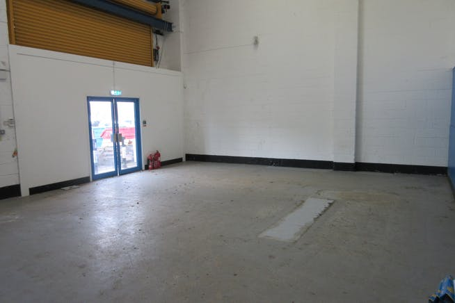 Unit 19 Goldsworth Park Trading Estate, Kestrel Way, Woking, Warehouse & Industrial To Let - IMG_9231.JPG