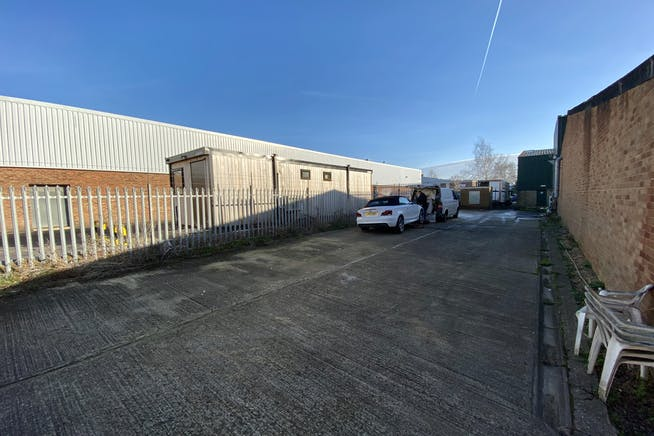 3A Wenman Road, Thame, Industrial To Let / For Sale - IMG_5491.jpg