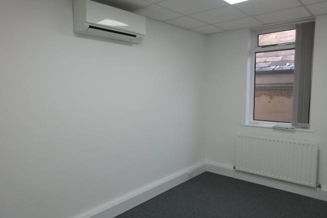 Unit 2, The Old Forge, South Road, Weybridge, Offices To Let - IMG_2361.JPG