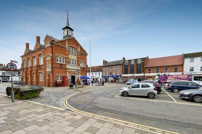 1St And 2Nd Floor, 104 High Street, Thame, Office To Let - THAME-3.jpg