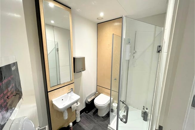 3 Wilkin Steet, Kentish Town, London, Offices / Retail To Let - WC & Shower