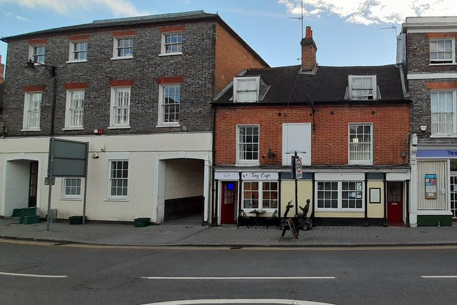 15, The Broadway, Newbury, Investments / Retail For Sale - Front 6Oct213.jpg