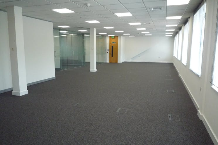 459 London Road, Camberley, Offices To Let - P1100077.JPG