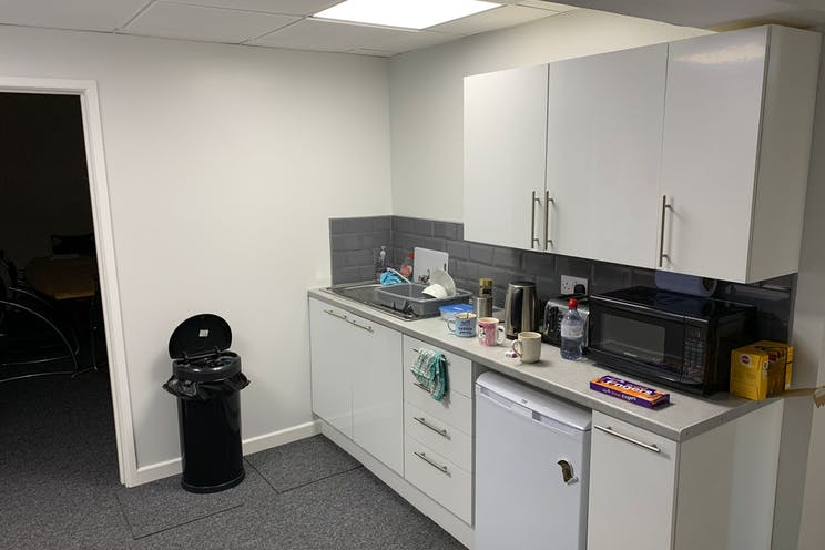 2 Downley Road, Havant, Office / Industrial / Trade Counter To Let - S__k5plg.jpeg