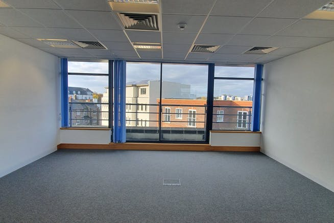 Charta House, Church Street, Staines-upon-Thames, Offices To Let - 20191104_093218.jpg