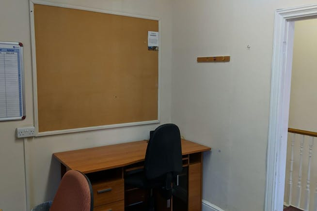 Dudley House, Kings Road, Fleet, Offices To Let - IMG-20181109-WA0007.jpg