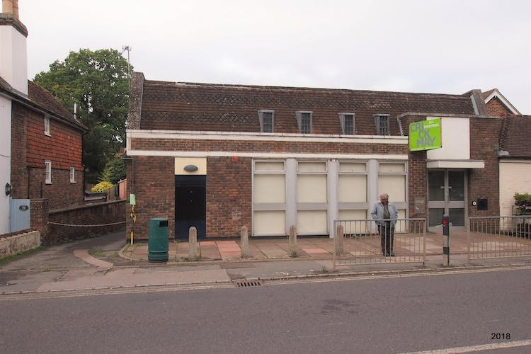 84 High Street, Billingshurst, Retail To Let - front d.jpg