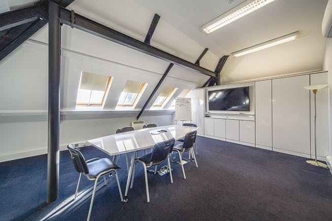 Unit 1 The Bullpens, Basingstoke, Offices To Let - The_Bullpens_Unit_1_boardroom.jpg