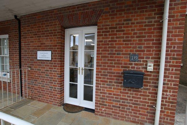 16 Buttermarket, Dorchester, Retail & Leisure / Retail & Leisure / Office To Let - IMG_2972.JPG