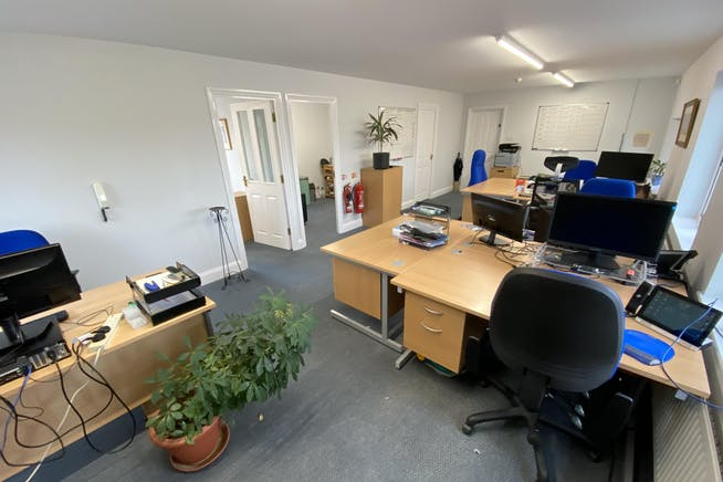 15 Dorchester Place, Thame, Office To Let - MAIN OFFICE 2.JPG