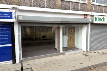 31 Market Parade, Havant, Retail / Office / Restaurant / Takeaway To Let - 20201119_121028.jpg