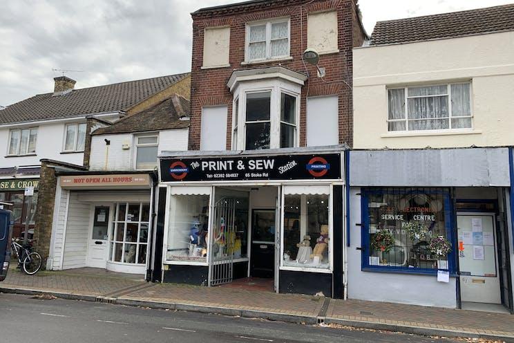 65 Stoke Road, Gosport, Retail / Office / Restaurant / Takeaway / D1 To Let - 20201209 112150.jpg