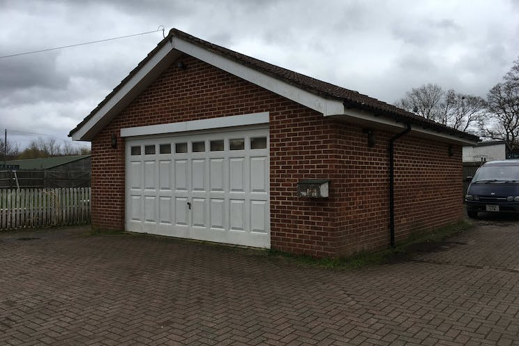 Woodlands Farm, Wokingham, Development, Land For Sale - Double garage