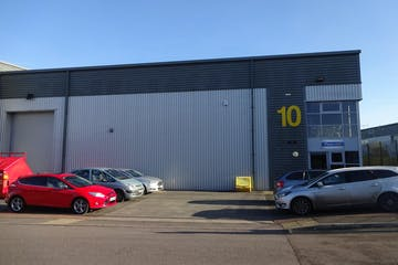 10 IO Centre, Salfords, Warehouse & Industrial To Let - DSC01373.JPG
