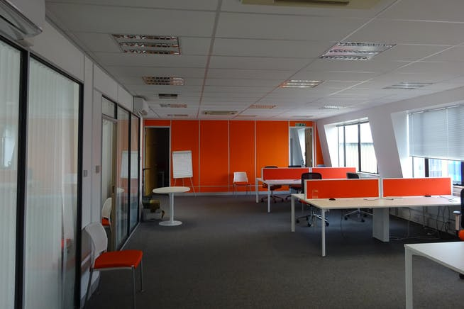 Queens Court, 9-17 Eastern Road, Romford, Offices To Let - Romford_Office_Rent_Let.JPG