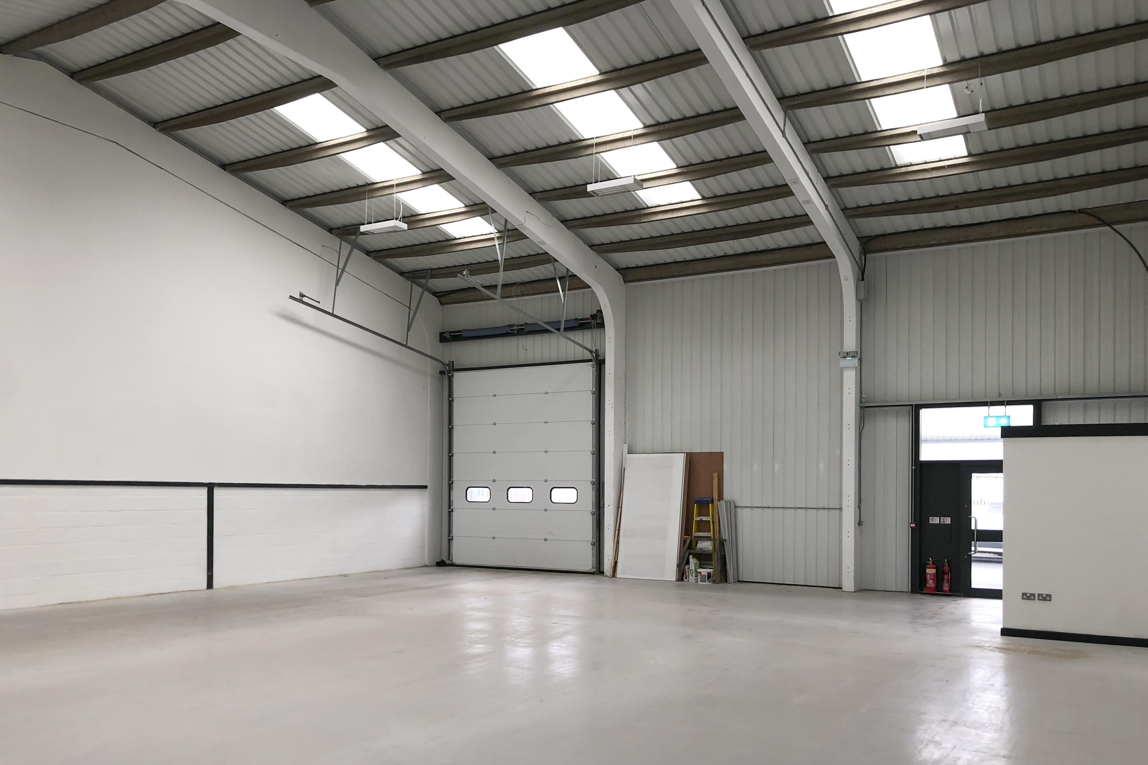 1A Drakes Drive, Crendon Industrial Park, Industrial To Let - F-8.jpg