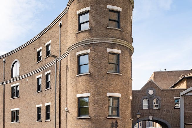 Reef House, Plantation Wharf, London, Offices To Let - External (1)
