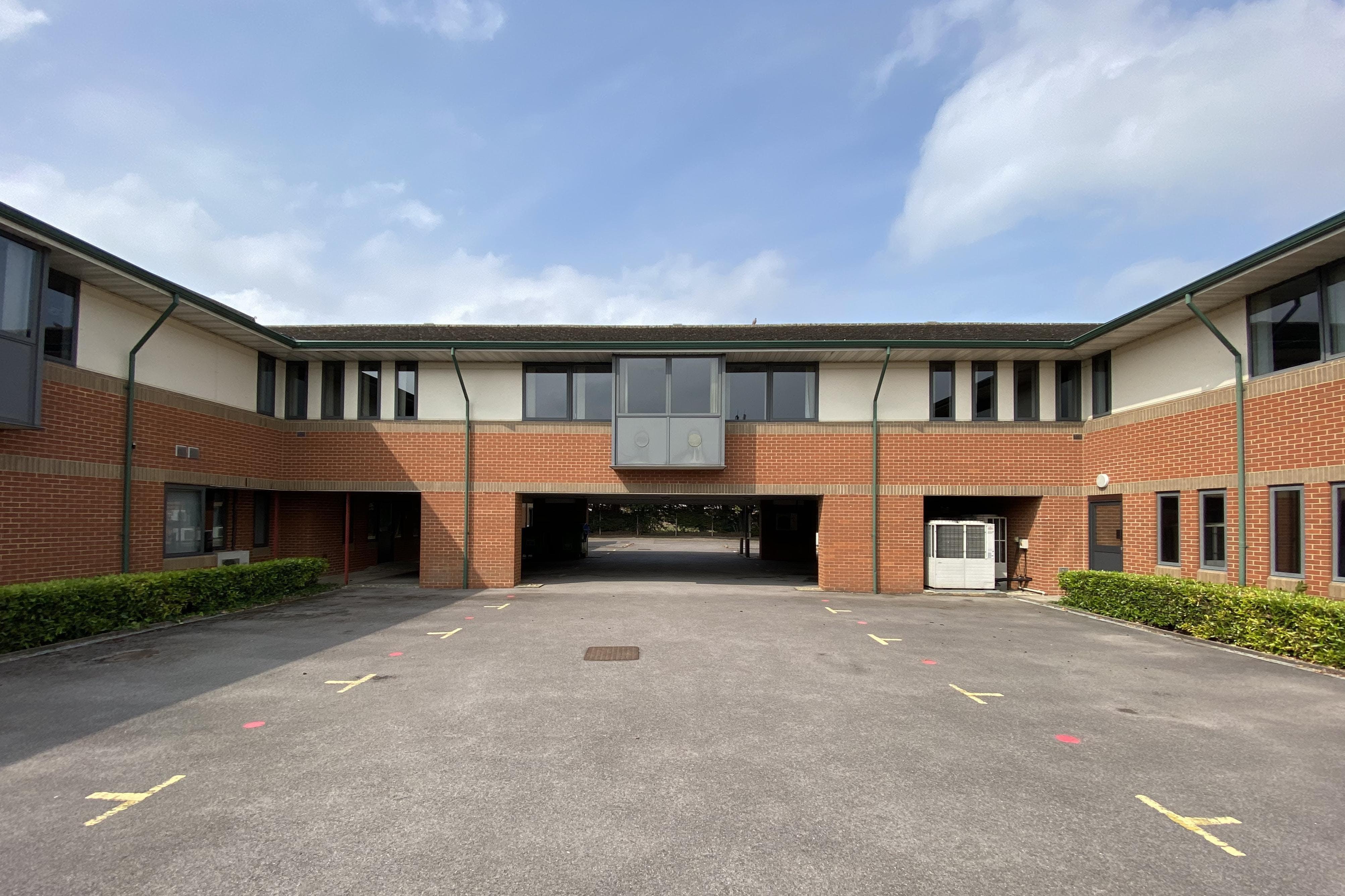 Waterslade House, Thame Road, Haddenham, Office / Land / Residential / Investment For Sale - IMG_7712 2.JPG