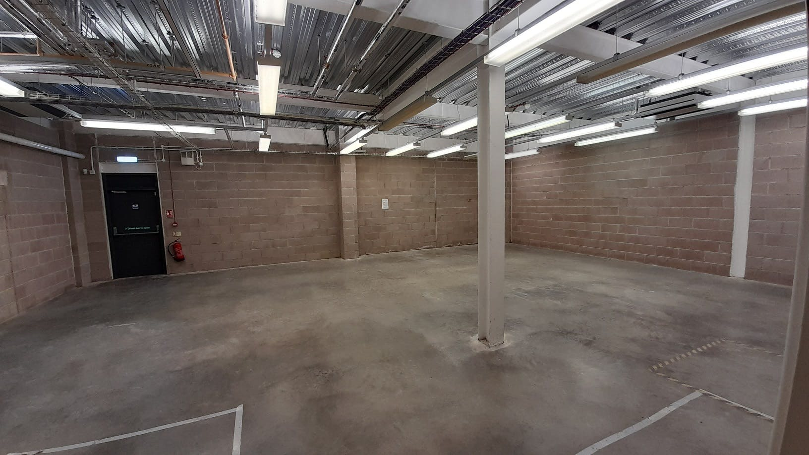 Unit 6, Winchester, Warehouse & Industrial To Let - Photo 2.jpg